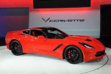 01-2014-chevrolet-corvette-stingray-detroit